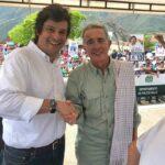 De la mano del expresidente Álvaro Uribe, trabajamos con mano firme y corazón grande. El aprendizaje es constante.